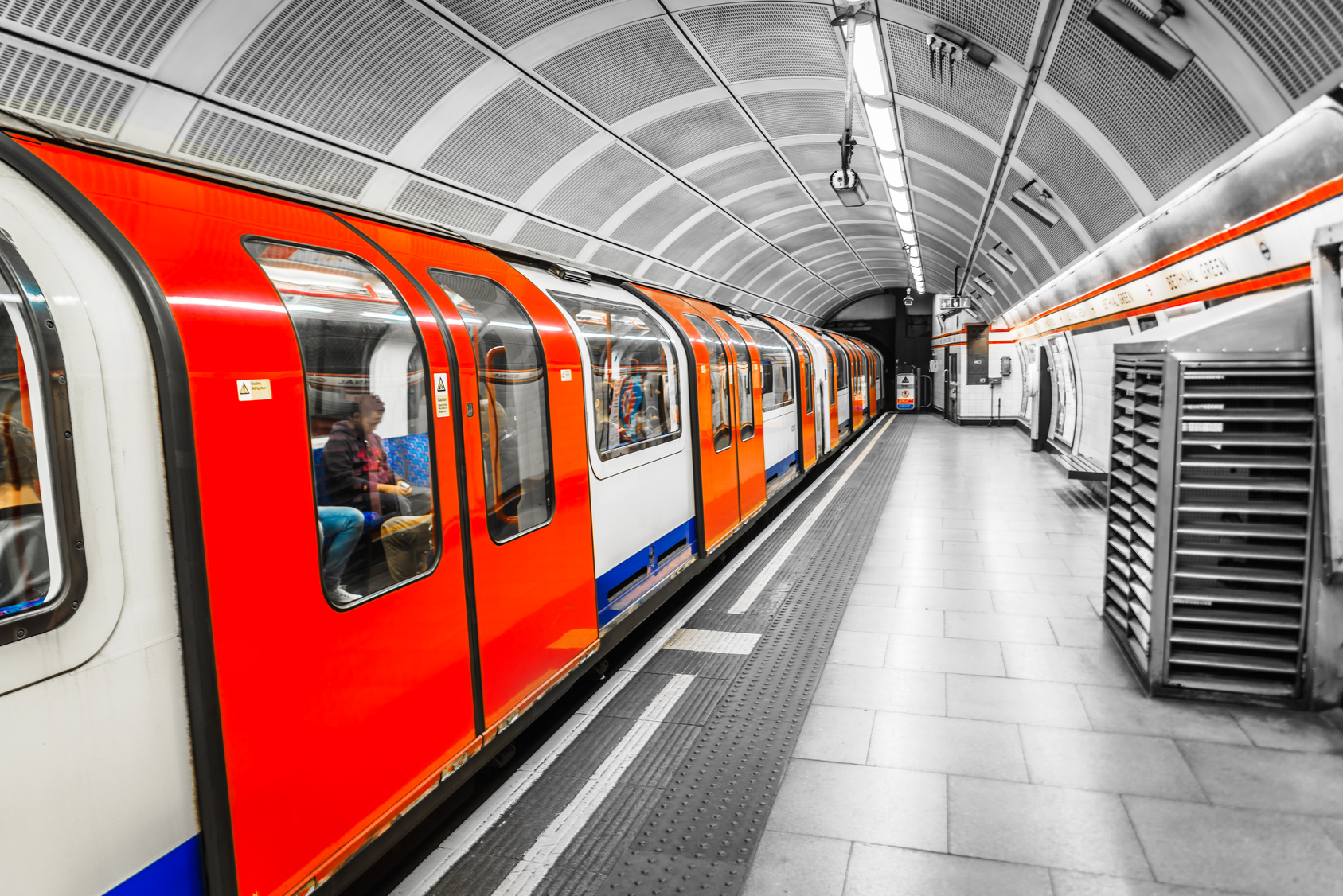 London Underground users charged £365m for incomplete journeys