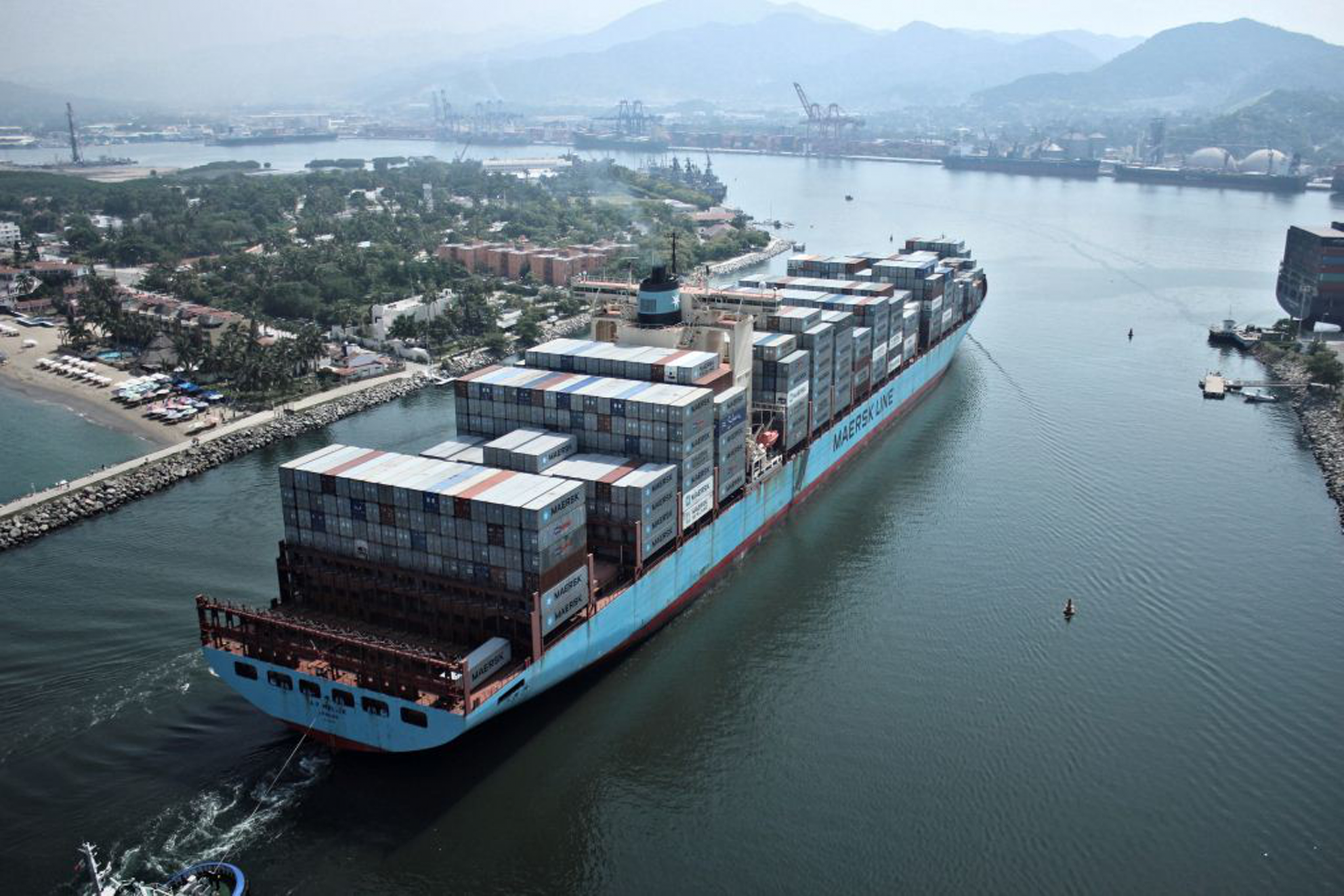 Digitising the supply chain process (Photo credit: Maersk)