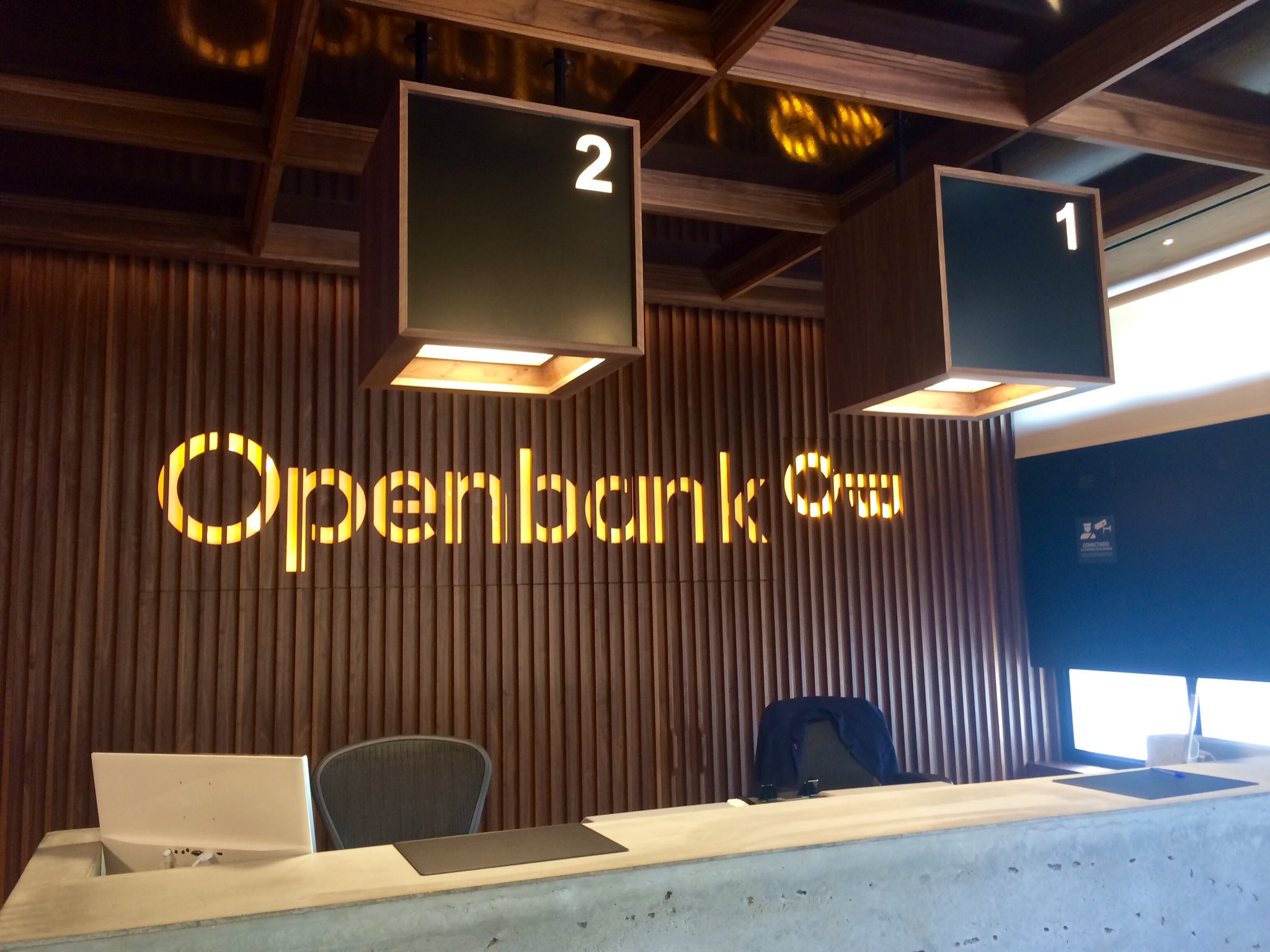 Spain s first fully digital bank openbank in major for Openbank madrid oficinas