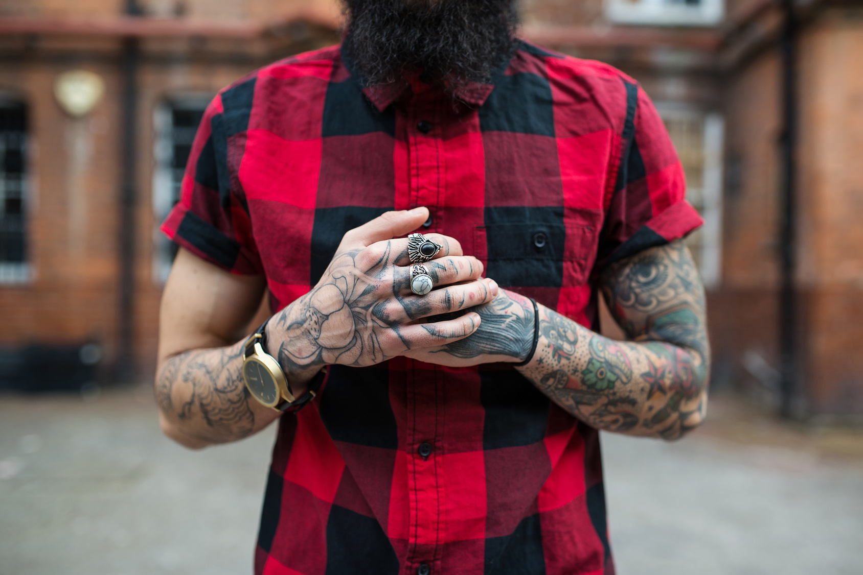Checked shirt. Check.