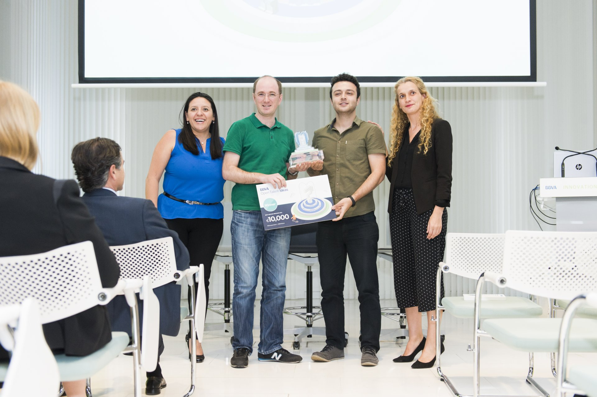 Representatives of the Garanti team receiving the award